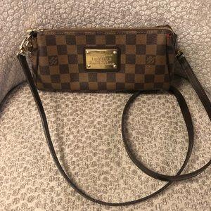 Louis Vuitton Eva clutch